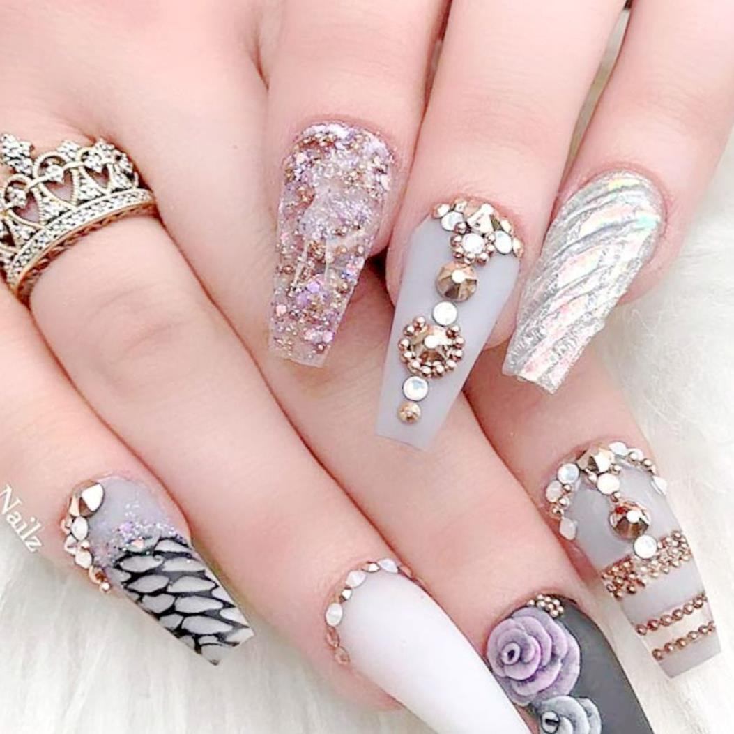 Gorgeous Valentines Day Acrylic Nail Designs 44