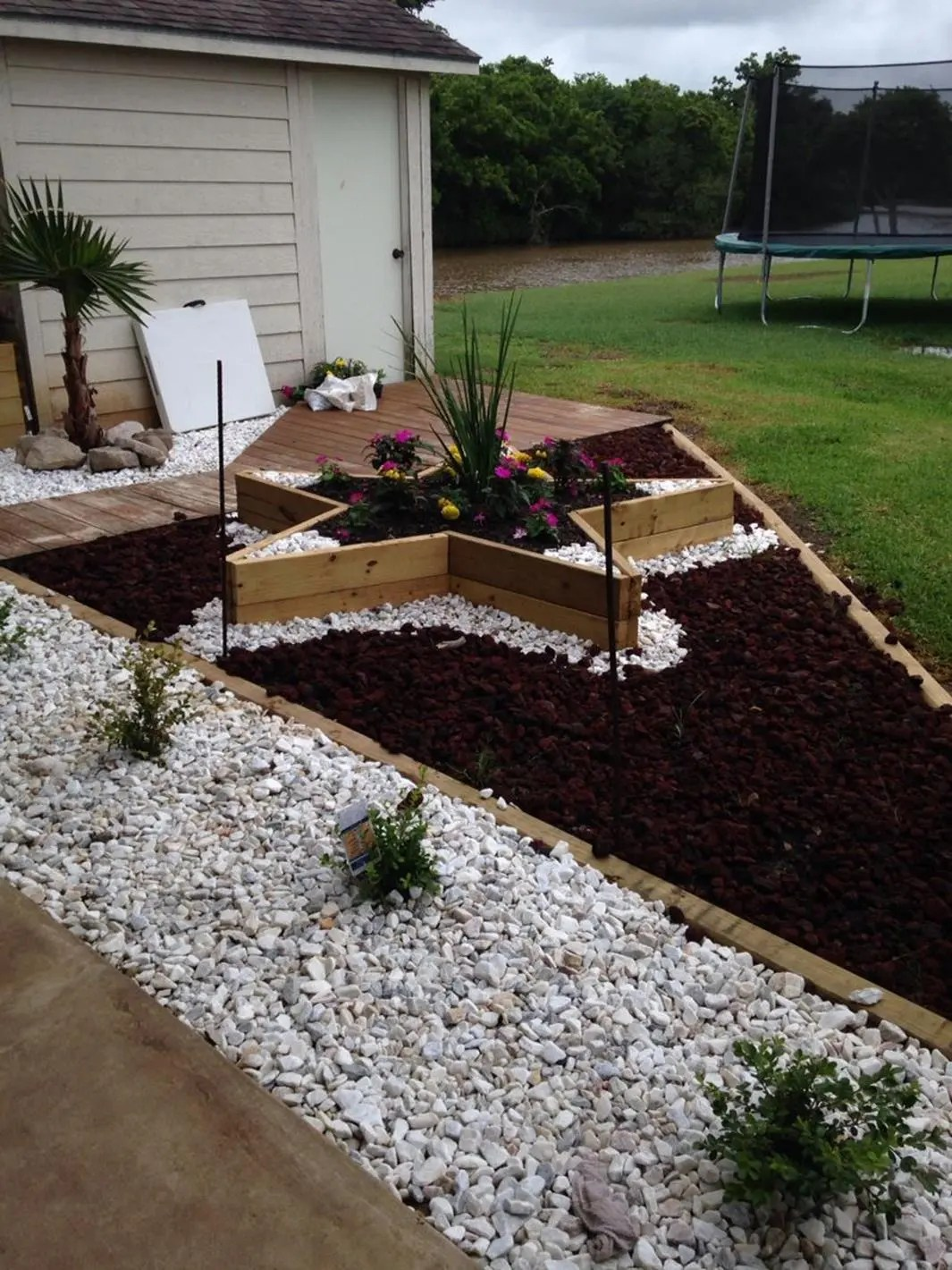 Front Yard Landscaping Ideas with White Rocks 3