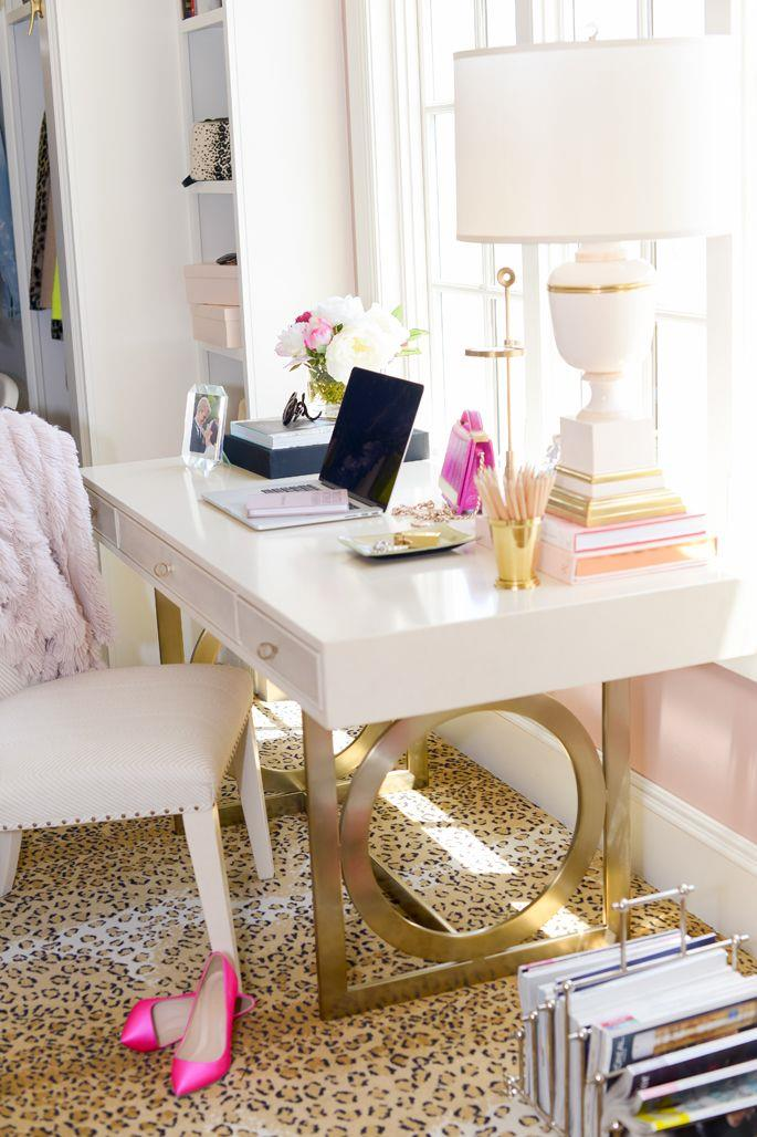 Comfy Home Workspace Decorating Ideas 22