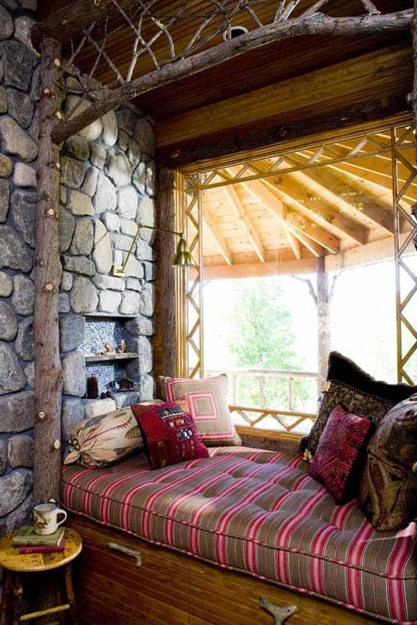Cozy And Decorated Reading Nooks That Will Inspire You To Design Your Own Little Corner 16