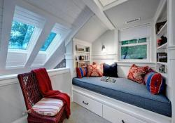 Cozy And Decorated Reading Nooks That Will Inspire You To Design Your Own Little Corner 18