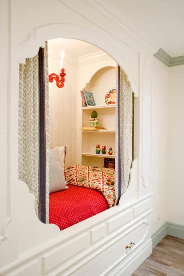 Cozy And Decorated Reading Nooks That Will Inspire You To Design Your Own Little Corner 5