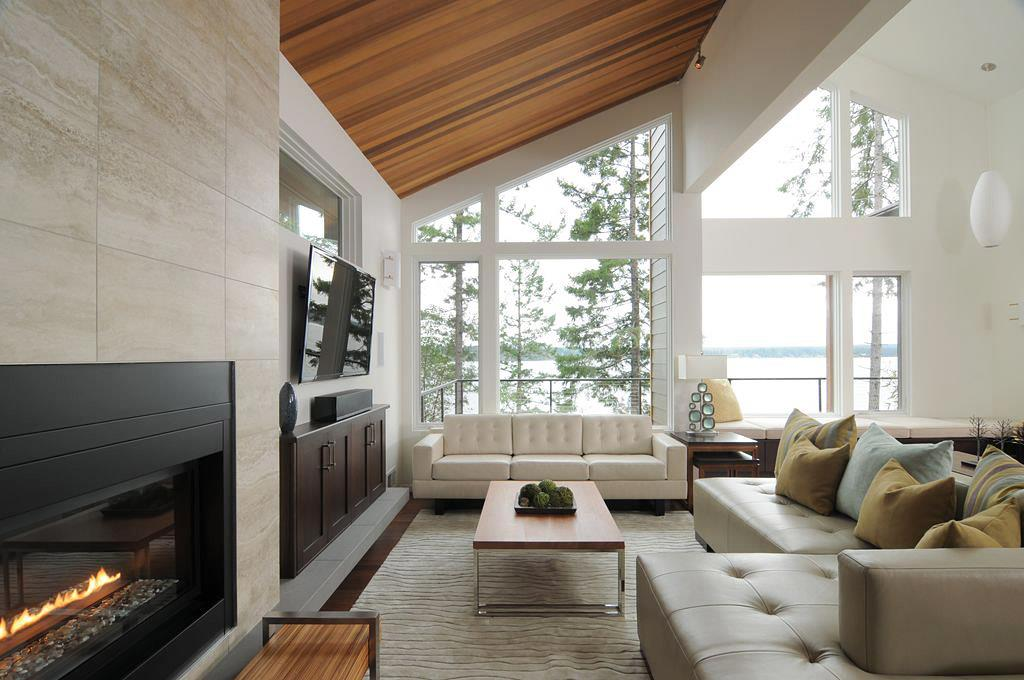 Lovely Family Room Wood Ceiling Design 12