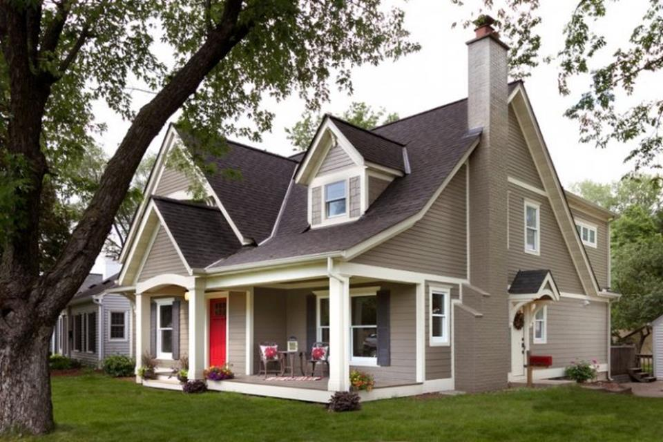 Stunning Exterior House With Brown Roof Colors 30