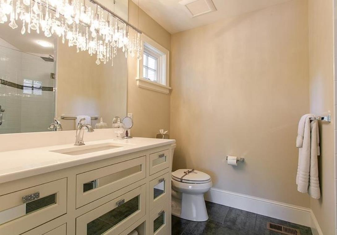 Beautiful Bathroom with Crystal Chandelier 10 1