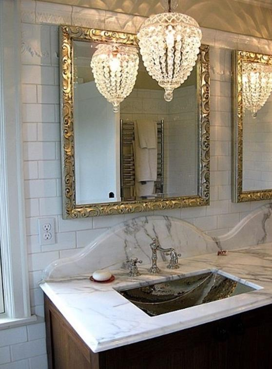 Beautiful Bathroom with Crystal Chandelier 18