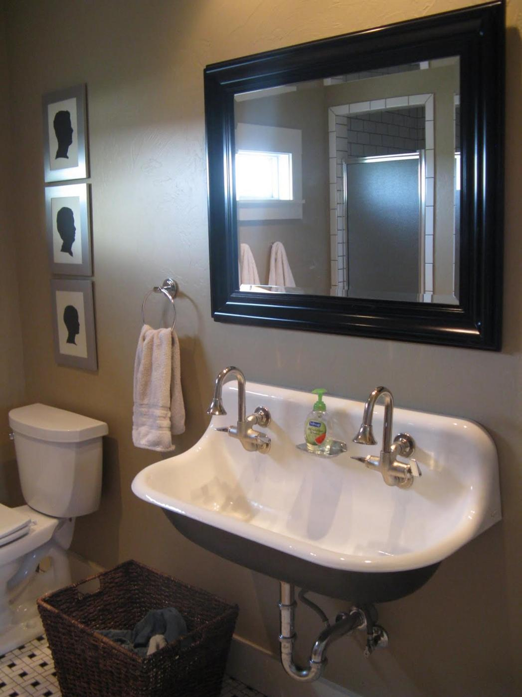 Farmhouse Style Bathroom Sink Ideas 33