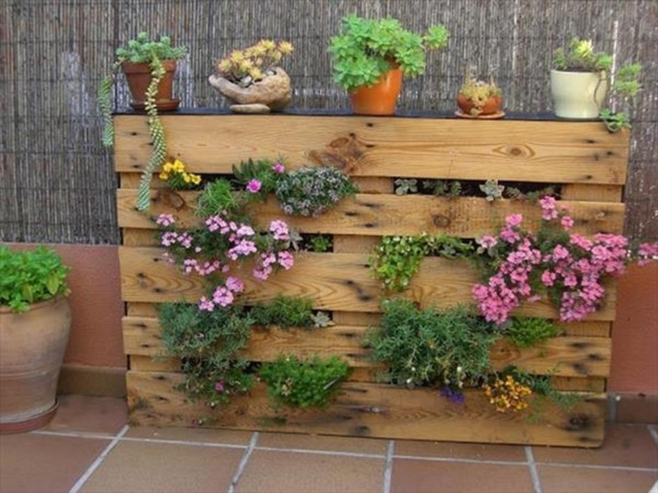 Gardening Ideas With Wood Pallets 40