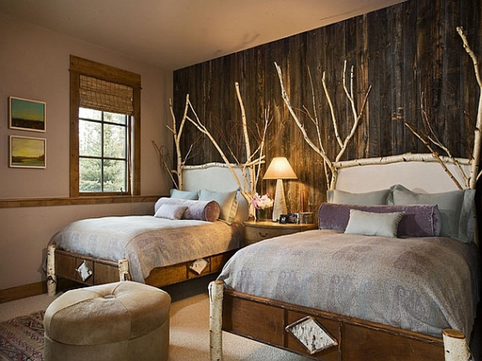 Rustic Bedroom Wall Decorating Ideas 34