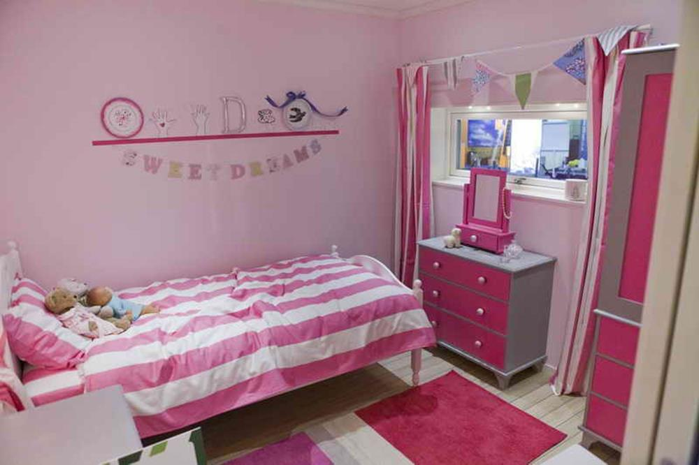 Simple Teen Girls Bedroom Decorating Ideas 13