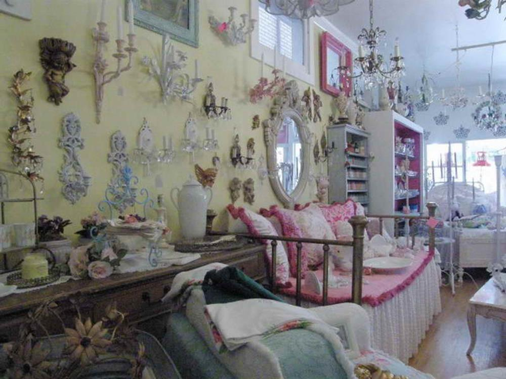 Perfect Shabby Chic Furniture and Decorating Ideas 27