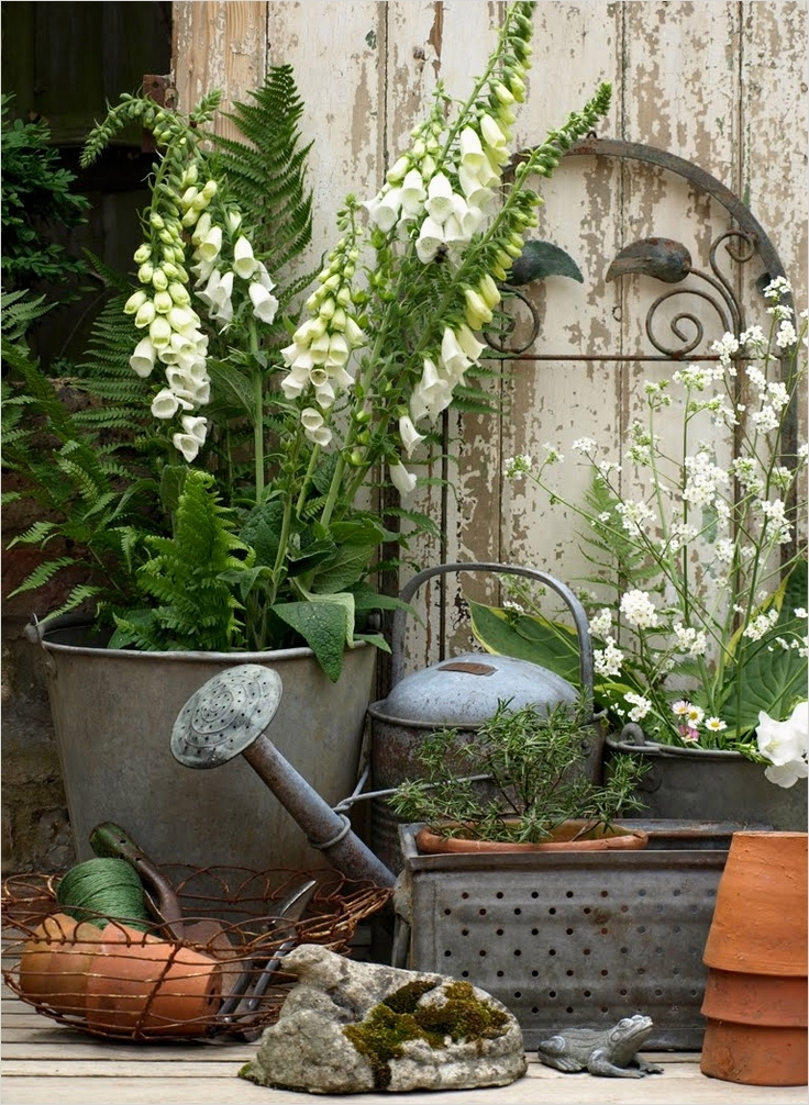 42 Beautiful Vintage Yard Decorating Ideas 25 Take Five Vintage Outdoor Decor the Cottage Market 4