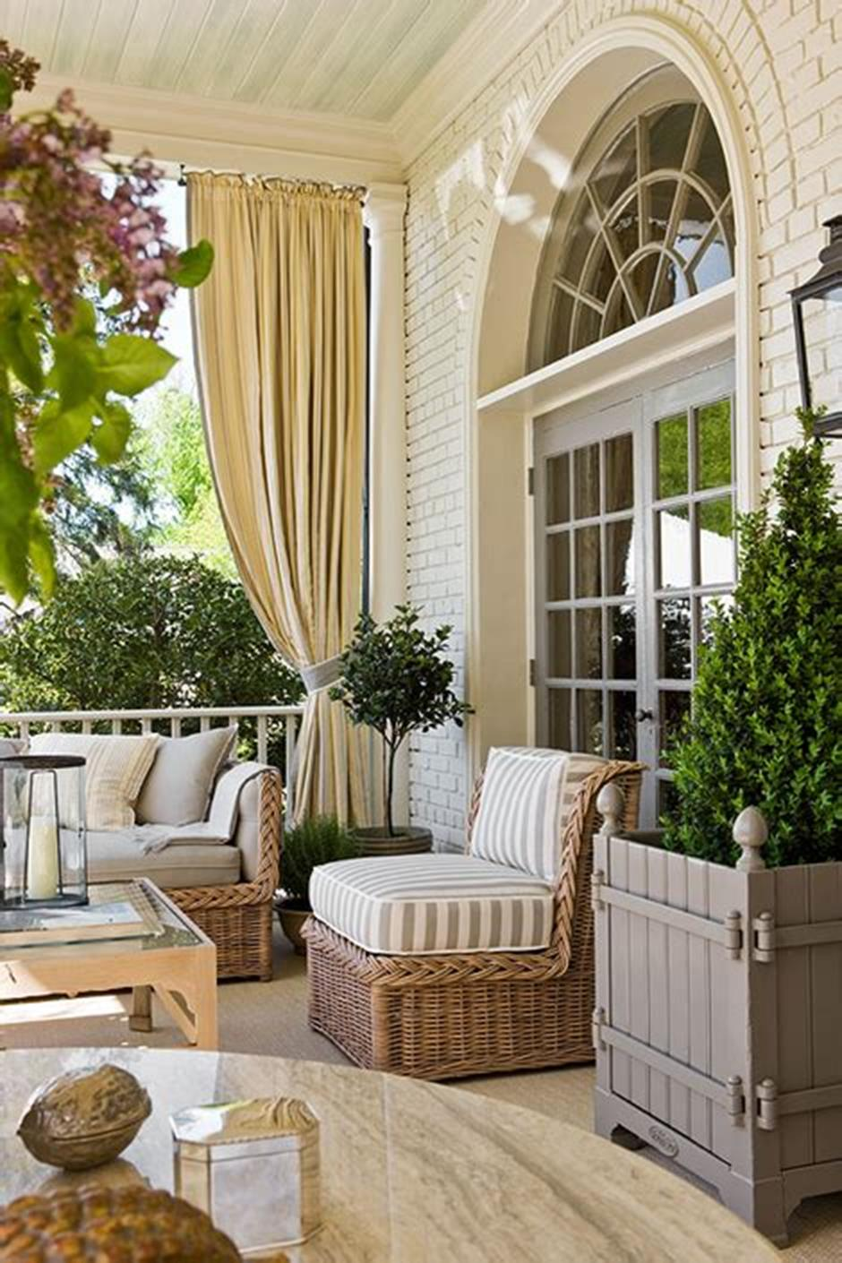 40 Beautiful Spring Front Porch Decorating Ideas You Will Love 10