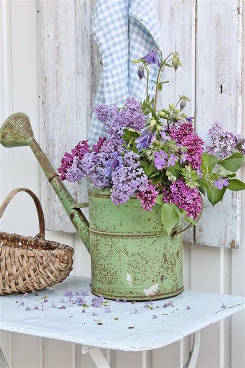42 DIY Beautiful Vintage Spring Decorations Ideas You Will Love 19
