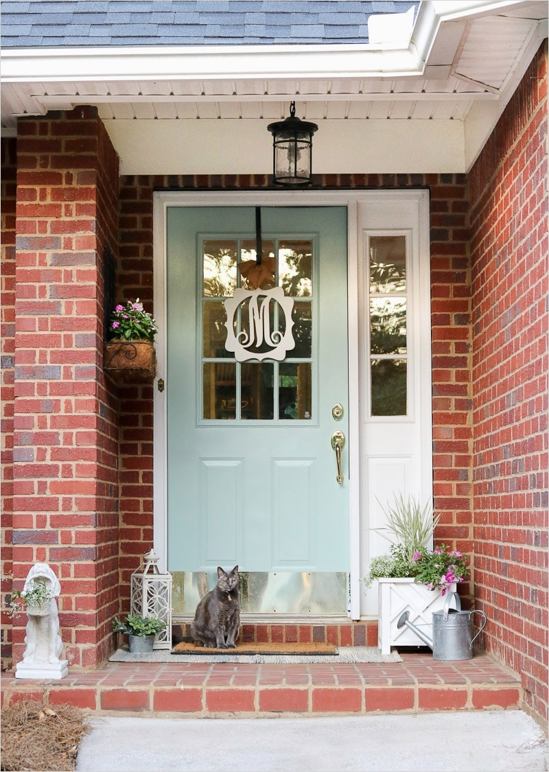 35 Stunning Little Porch Decorating Ideas for 2020 78