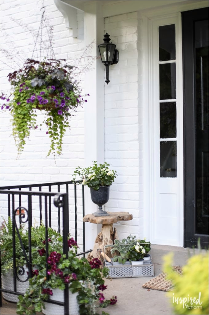 35 Stunning Little Porch Decorating Ideas for 2020 25