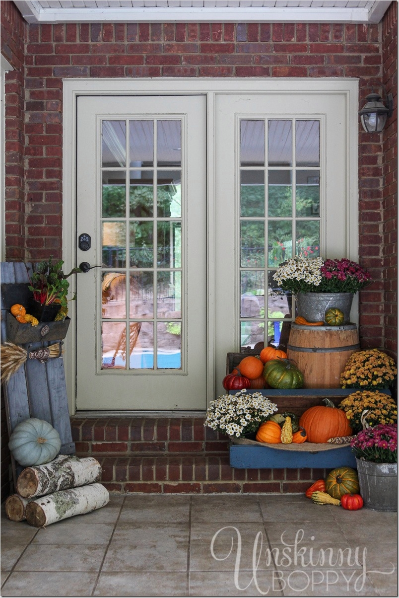 35 Stunning Little Porch Decorating Ideas for 2020 77