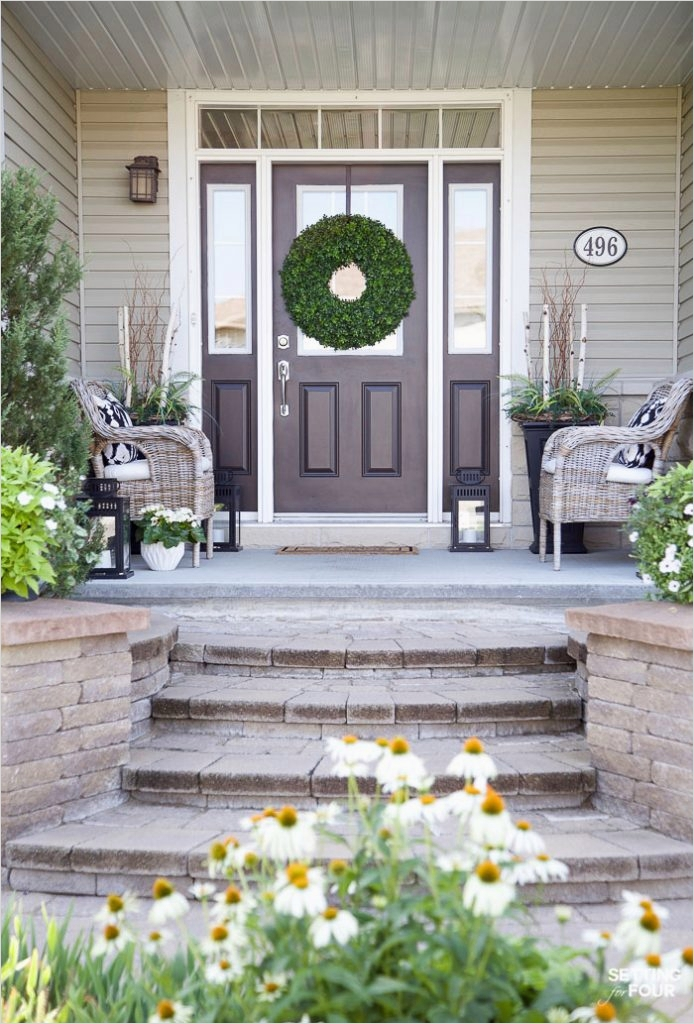 35 Stunning Little Porch Decorating Ideas for 2020 86