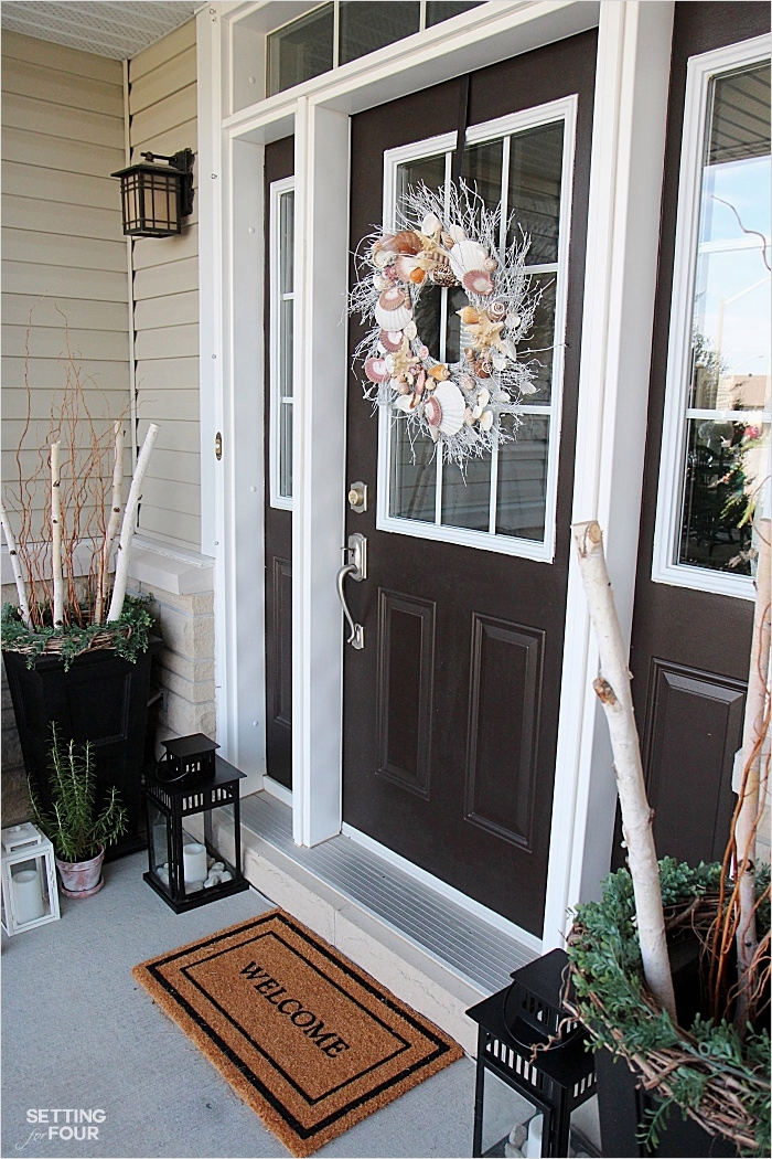 35 Stunning Little Porch Decorating Ideas for 2020 23