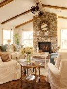 Gorgeous Farmhouse Living Room Decor Ideas And Designs (16)