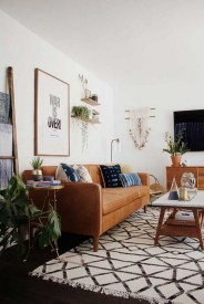 Eclectic And Quirky Living Room Decor Styling Ideas (29)