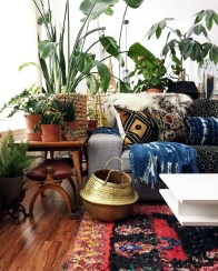 Eclectic And Quirky Living Room Decor Styling Ideas (33)