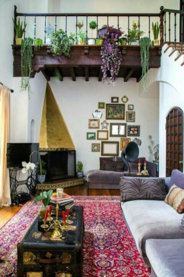 Eclectic And Quirky Living Room Decor Styling Ideas (4)