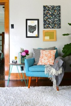 Eclectic And Quirky Living Room Decor Styling Ideas (41)