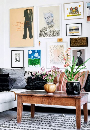 Eclectic And Quirky Living Room Decor Styling Ideas (54)
