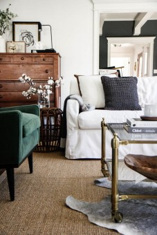 Eclectic And Quirky Living Room Decor Styling Ideas (65)