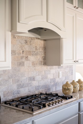 Kitchen Tile Backsplash Ideas Suitable For Your Kitchen (25)