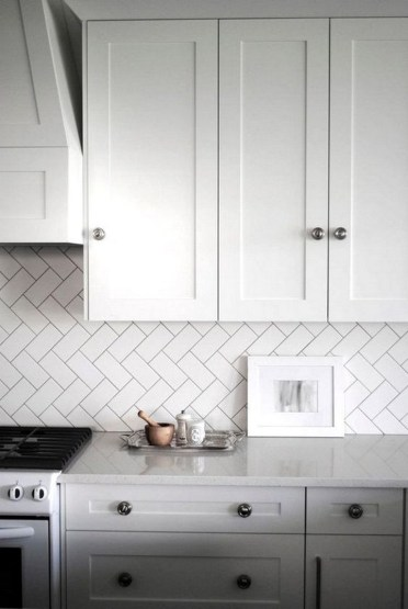 Kitchen Tile Backsplash Ideas Suitable For Your Kitchen (39)