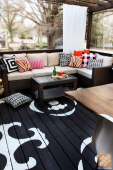 Small Front Deck Decorating Ideas