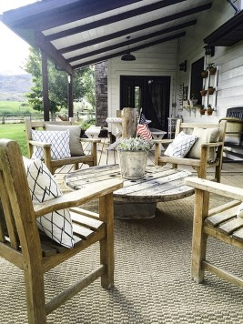 Wonderful Farmhouse Backyard Deck Design Ideas Remodels (25)