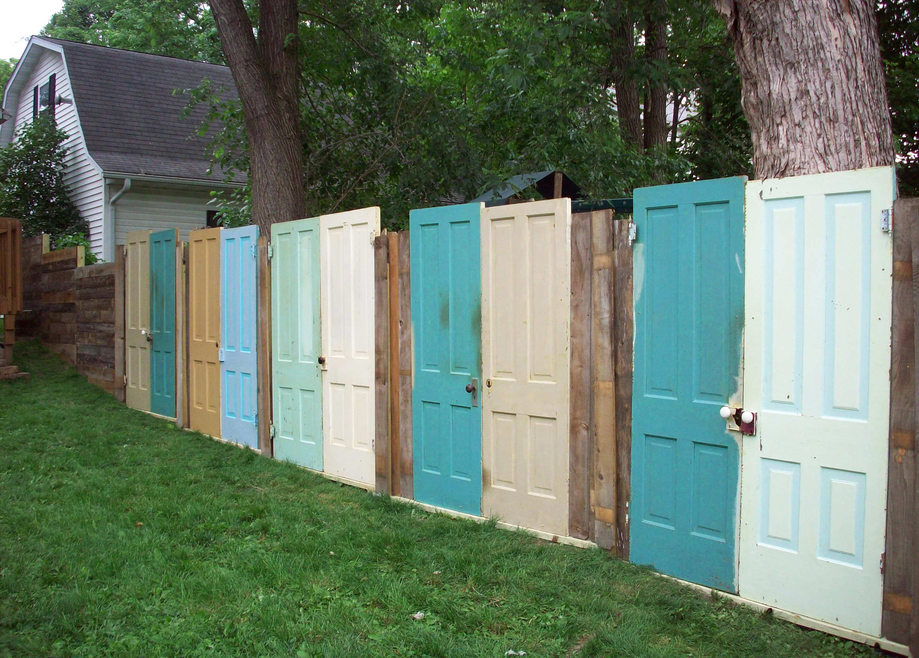 10 Privacy Fence Ideas to Get The Best Look of Your House ... on Decorations For Privacy Fence id=62771