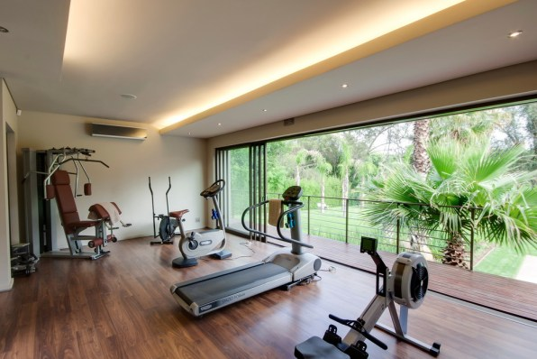 Shiny and Airy Home Gym