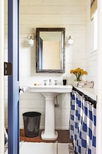 46+That Will Motivate You Farmhouse Bathroom Colors Rustic 69