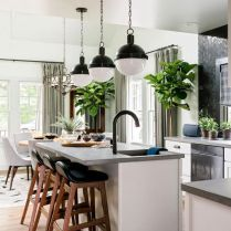 35+ Natural Rustic And Classic Glam Kitchen Decorating Ideas 145