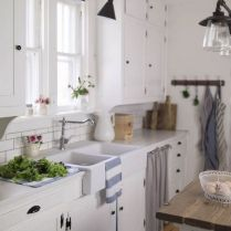 35+ Natural Rustic And Classic Glam Kitchen Decorating Ideas 215