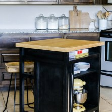 DIY Kitchen Island With Breakfast Bar 28