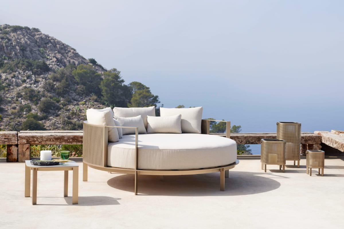 https decorinteriorsus com blog outdoor best luxury outdoor furniture brands