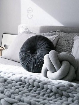 Charming Pillow Decorative Ideas To Apply Asap 09