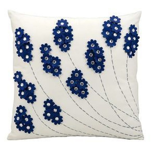Charming Pillow Decorative Ideas To Apply Asap 31