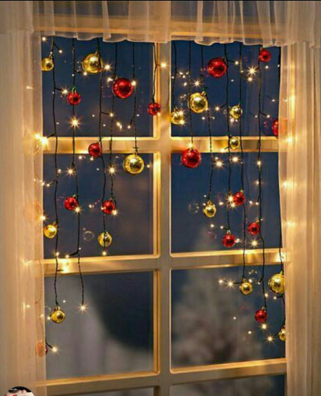 Beautiful Window Decorating Ideas For Christmas 04