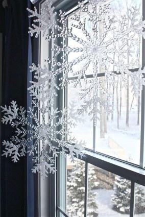 Beautiful Window Decorating Ideas For Christmas 09