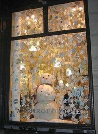 Beautiful Window Decorating Ideas For Christmas 24