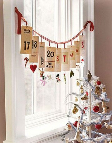 Beautiful Window Decorating Ideas For Christmas 27