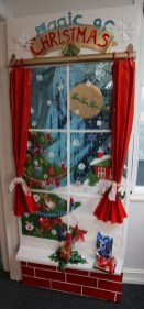 Creative Christmas Door Decoration Ideas To Inspire You 08