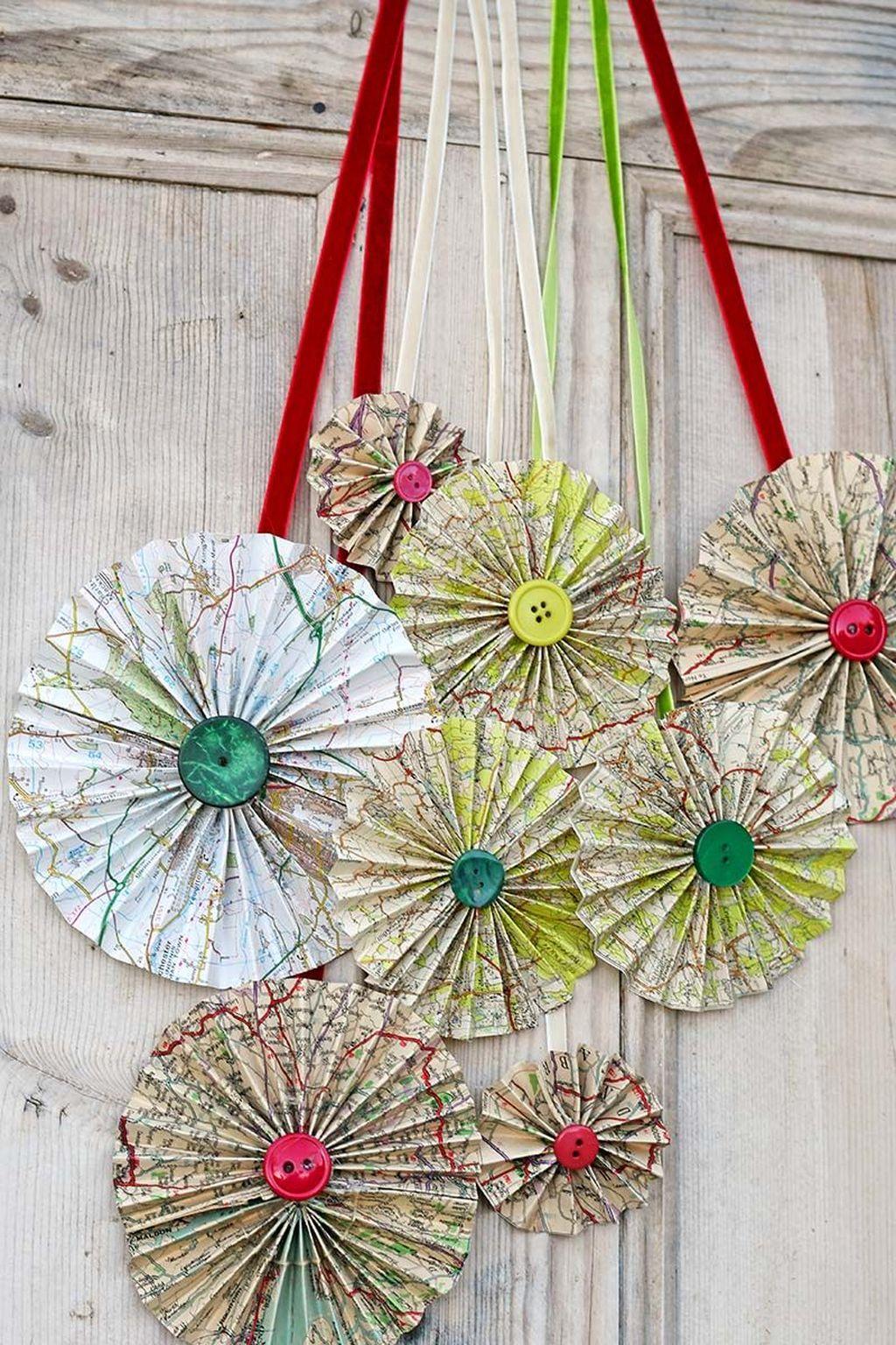 Creative Christmas Door Decoration Ideas To Inspire You 23