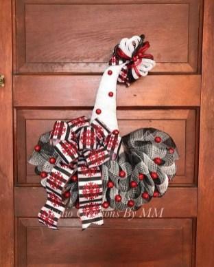 Creative Christmas Door Decoration Ideas To Inspire You 30